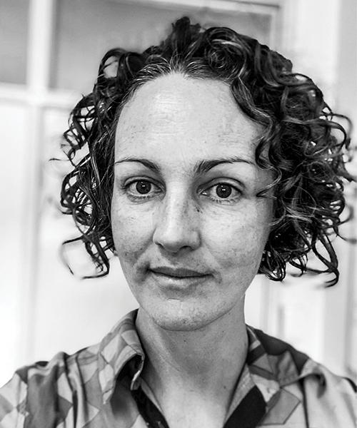 Dr Anna Holwell